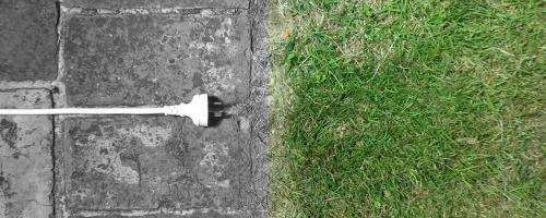 Er-blog-unplugged-pavement-grass